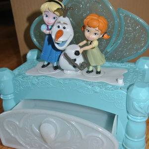 Moving Musical Frozen Elsa Anna Olaf Jewelry Box